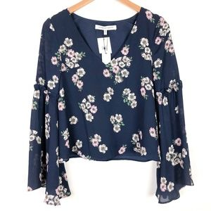 NWT Cupcakes and Cashmere Audriana Bell Sleeve Top